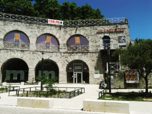 Façade de La Casemate à Grenoble  (C) La Casemate