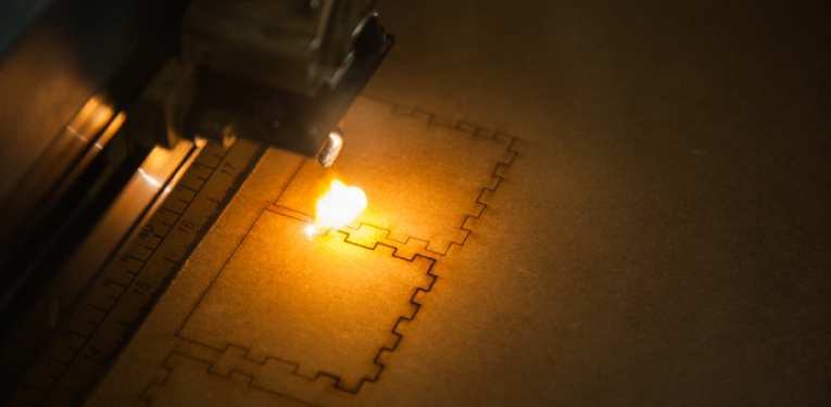 formation decoupeuse laser